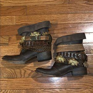 Freebird Yerba Boots US7
